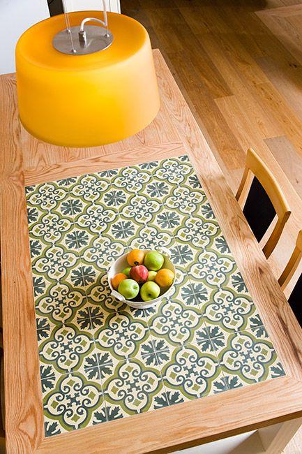 decoracion de mesas y comedor con baldosas y azulejos