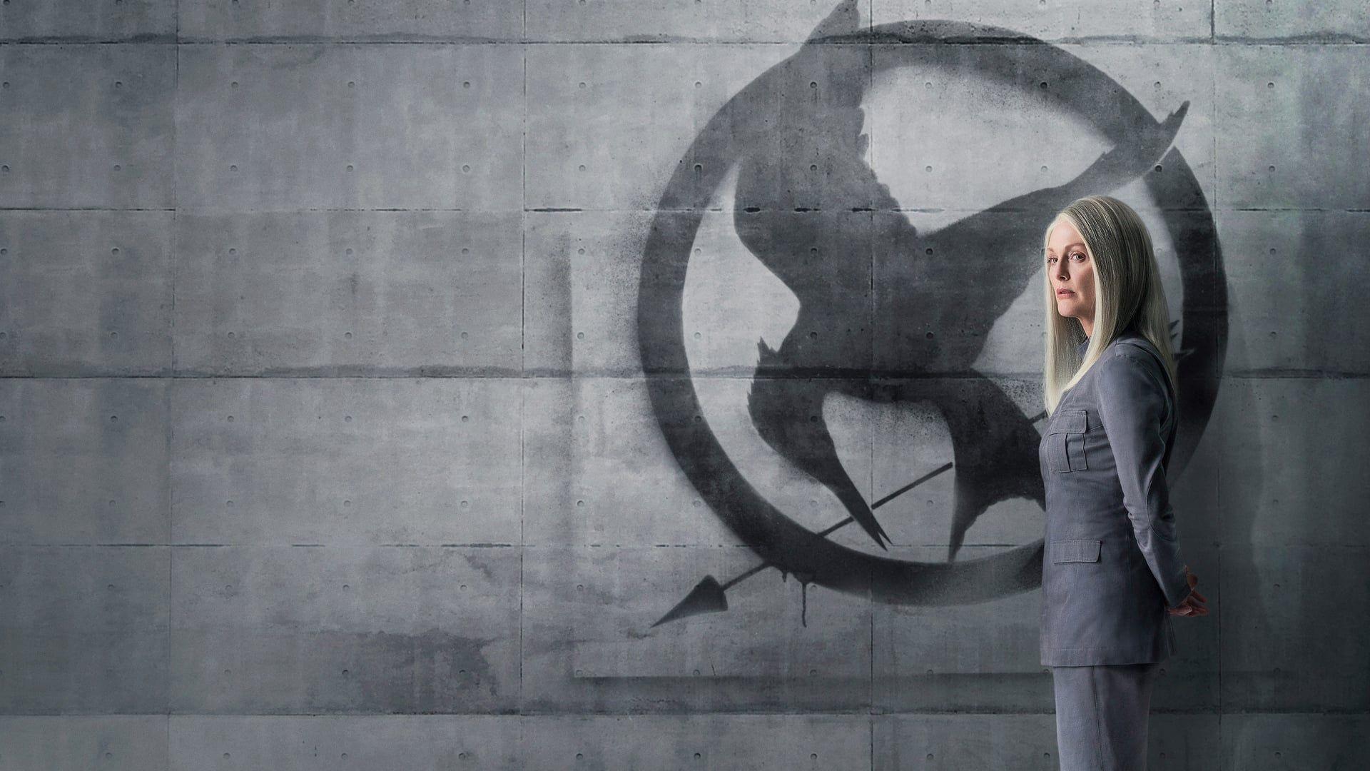 Katniss Everdeen S Est Refugiee Dans Le District 13 Apres Avoir Detruit A Jamais L Arene Et Les Jeux Sous Le Comman Hunger Games Mockingjay Free Movies Online