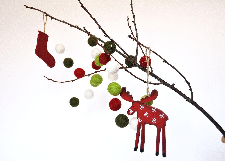 Ghirlanda di palline di feltro natalizia / Christmas Felt Ball Garland.