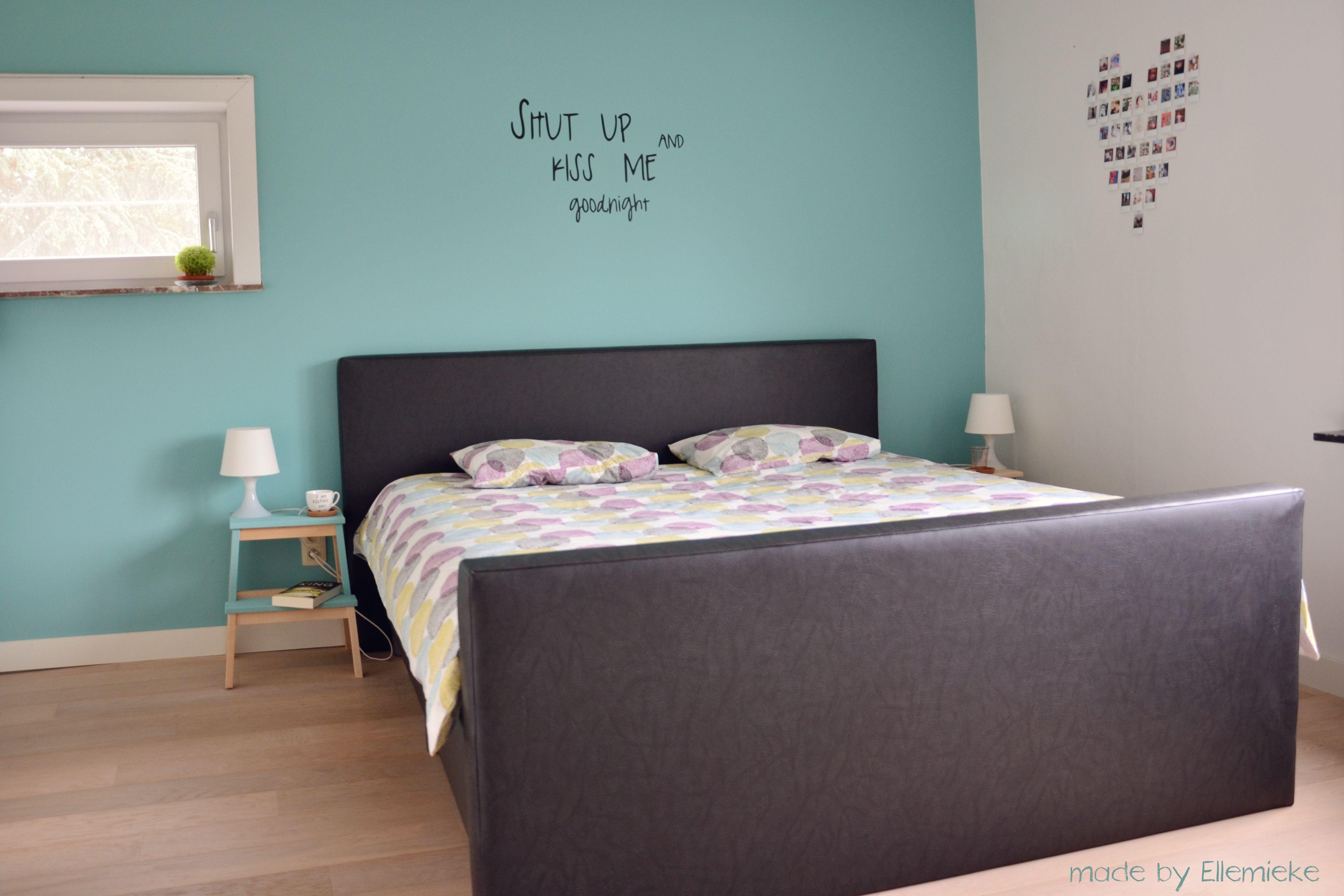 make over van onze slaapkamer meer fotos en inspiratie op mijn blogje kleur verf levis lets colour turkse steen fotocollage in mini retroprints van