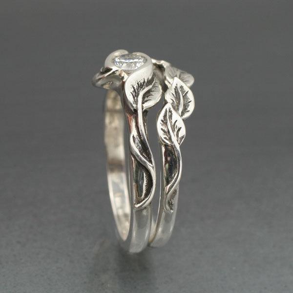 looks like an elvish ring - Elvish Wedding Rings