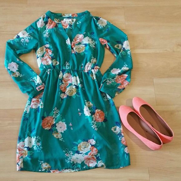 OLD NAVY Floral Summer Dress Long Sleeve SHEER Pullover style. Partial front button down Long sleeve- Sheer! Elastic waistline. Fully lined Green dress with allover floral print. Knee length In excellent condition with no stains or tears noted!  Please note: Only item described in listing included. Other items appearing in picture for decorative purpose only From a pet & smoke free home! Old Navy Dresses