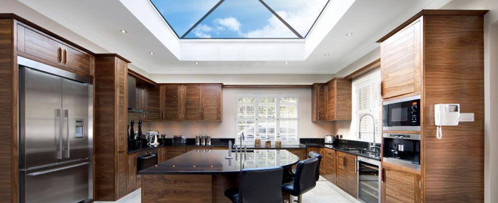 20 Beautiful Kitchen Designs With Skylights. Roof LightFlat ... & 20 Beautiful Kitchen Designs With Skylights | Roof lantern ... azcodes.com
