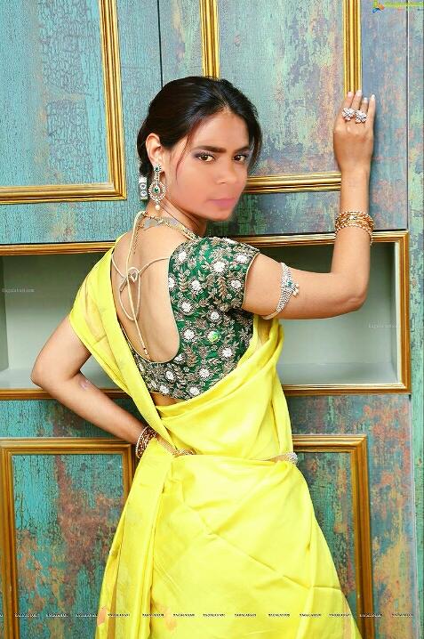 Pin by Desi indian on hot sexy indian bhabhi in saree photos