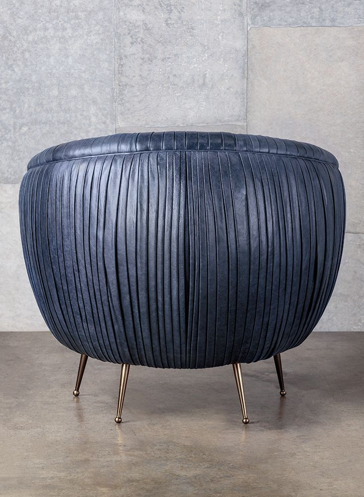 Kelly Wearstler Souffle Chair The Dramatic Sweeping Curves Of This Iconic Piece Are Highlighted By Our Signature Lication Ery Pleated Leather