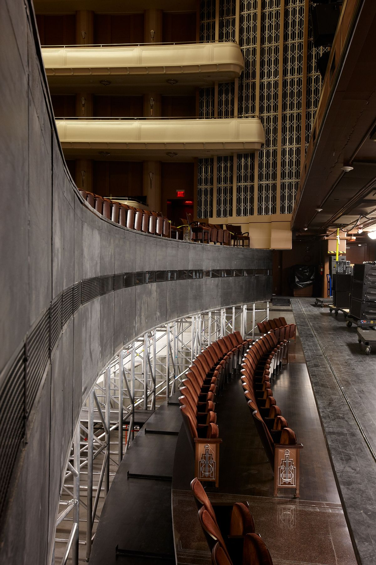 Lowering The Two Front Rows In Reynolds Hall At The Smith Center Will Smith Smith Center The Row