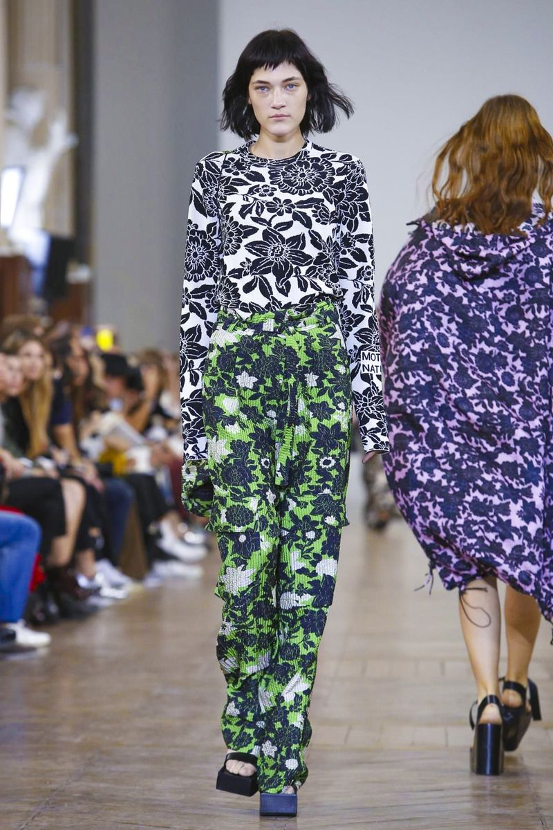 Christian Wijnants Ready To Wear Spring Summer 2017 Paris