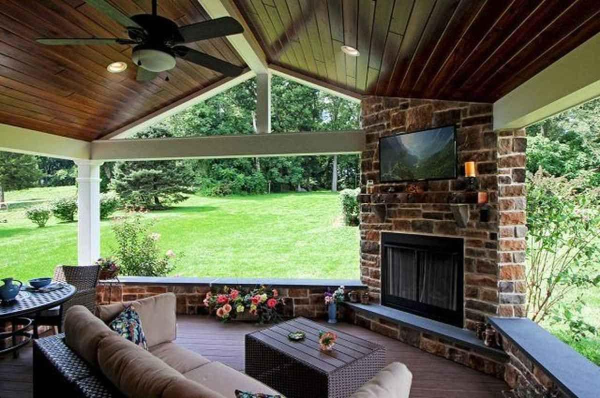 23 Cozy Farmhouse Screened In Porch Design Ideas en 2020
