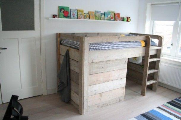 Voor de nieuwe peuter  baby kamer  later bed steigerhout