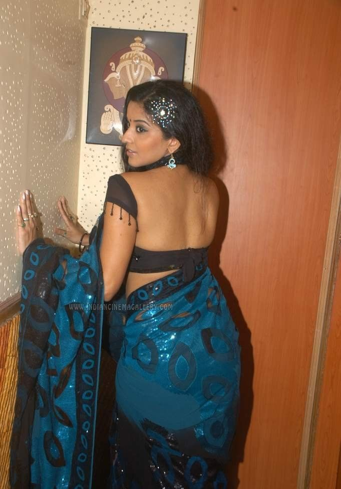 Ass pictures covered with saree