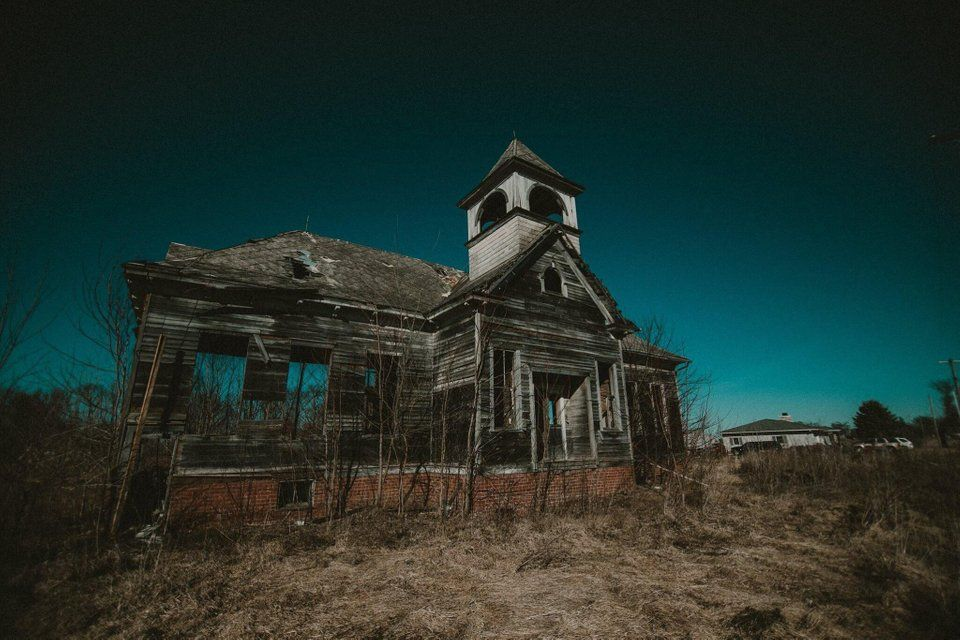 Abandoned School House, Illinois [2038x1365