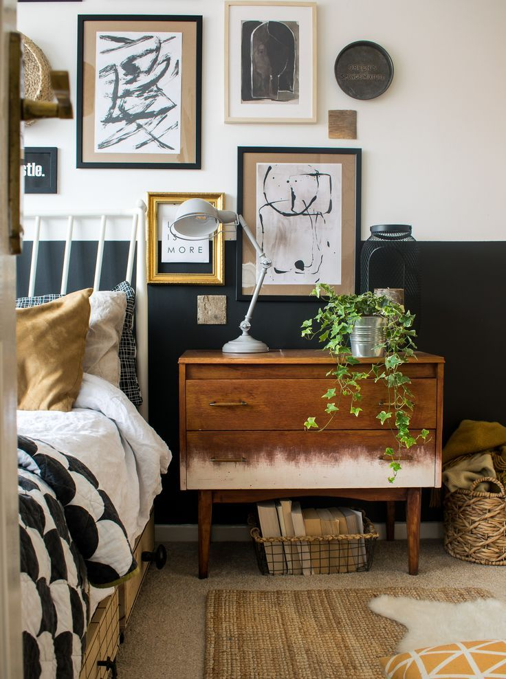 Big Style in a Small Space Rental: Organizing Tips for a chic eclectic space featuring functional and gorgeous design. #smallspaceliving #bedroomideas