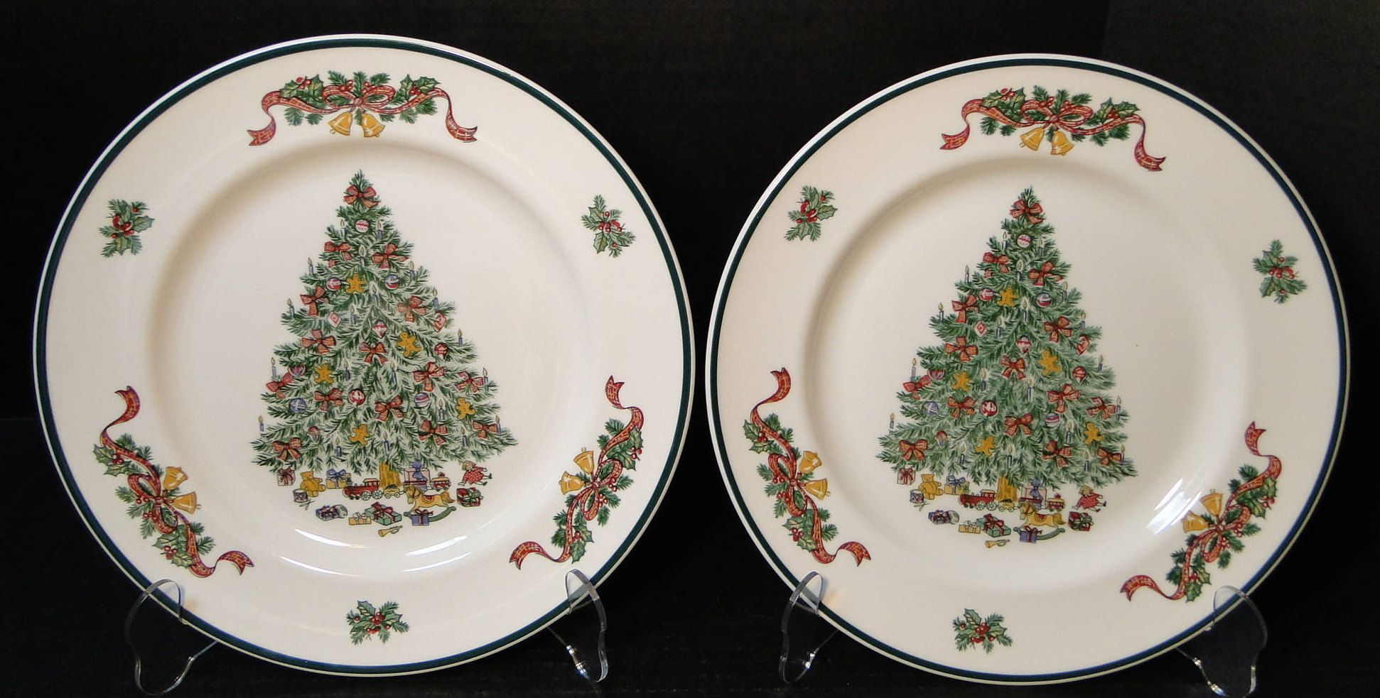 TWO Johnson Brothers Victorian Christmas England Dinner Plates 10 1 ...