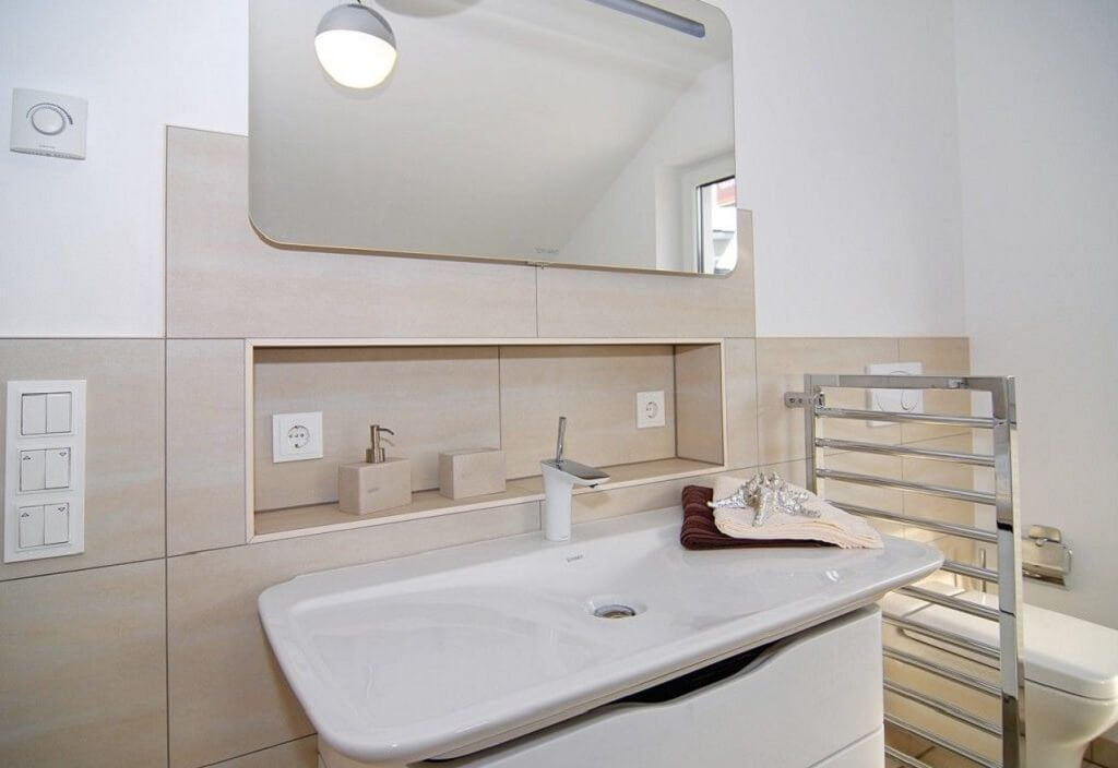 Badezimmer Becken ~ Badezimmer ideen aufbewahrung eingelassene ablage waschbecken im