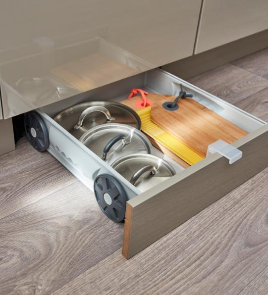 Des rangements dans tous les recoins de la cuisine ce kit tiroir s adapte derri re une plinthe - Tous les ustensiles de cuisine ...