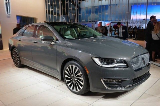 2017 Lincoln Town Car Review