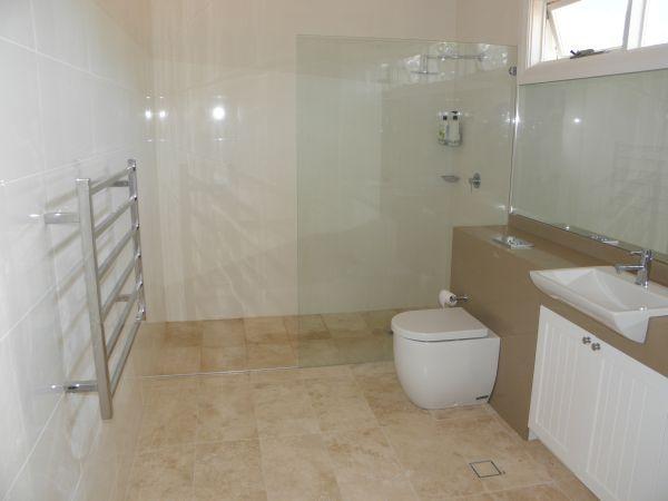 Modern Ensuite Bathroom Ideas TIPS FOR PLANNING IT Ensuite - Ideas for ensuite bathrooms