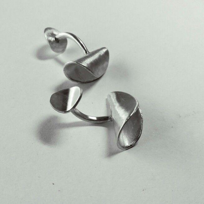 Silver cufflinks. Contemporary design. www.ciengradosdesign.com