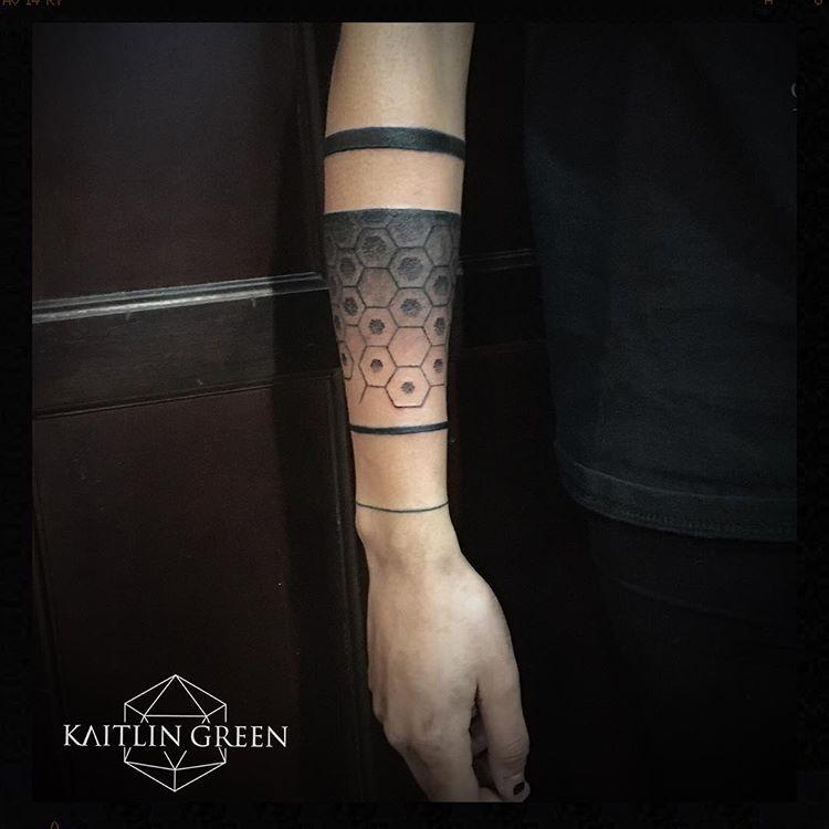 Dotwork black and grey geometric armband for women