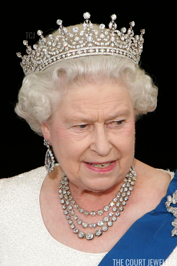 The Girls Of Great Britain And Ireland Tiara In 2020 Royal Tiaras Lovers Knot Tiara Tiara