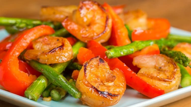 This Under 300-Calorie Honey Lime Shrimp Is Perfect For Summer