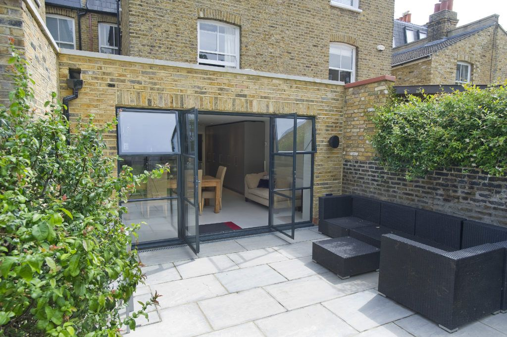 Bespoke Windows & Doors Patio, Pergola shade, Small patio