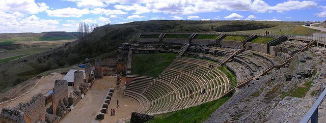 Panorámica del Teatro en la Ciudad Romana de Clunia |  #Pinares #Burgos #Soria #Spain