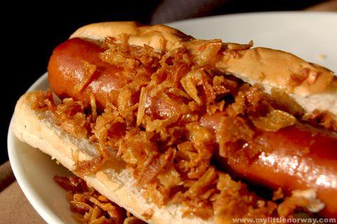 P 248 Lse Med Spr 248 Stekt L 248 K Sausage Topped With Crispy Onion