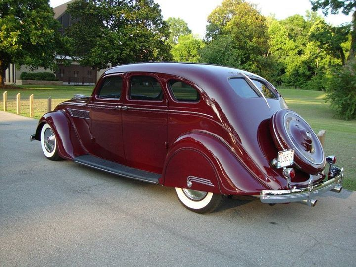 1935 Airflow Chrysler Imperial Sedan With Images Chrysler Cars