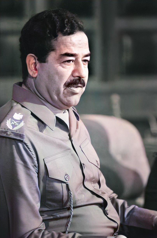 Pin By روائع الصور On صور صدام حسين عالية الوضوح Iraqi President Historical People Celebrity Drawings