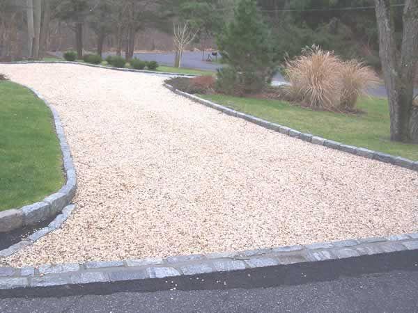 Pin By Lisa Keys Myers On My Yard Driveway Landscaping Gravel Driveway Driveway Edging