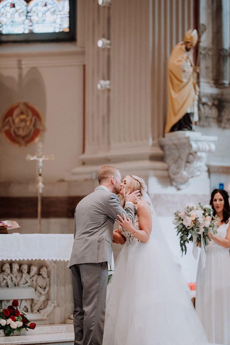 Boho pennsylvania wedding with lace and neutrals boho lace wedding