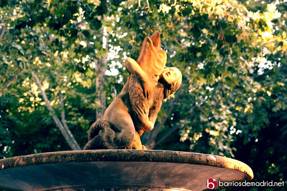 ¿Quién sabe dónde se encuentra esta preciosa fuente? © www.barriosdemadrid.net