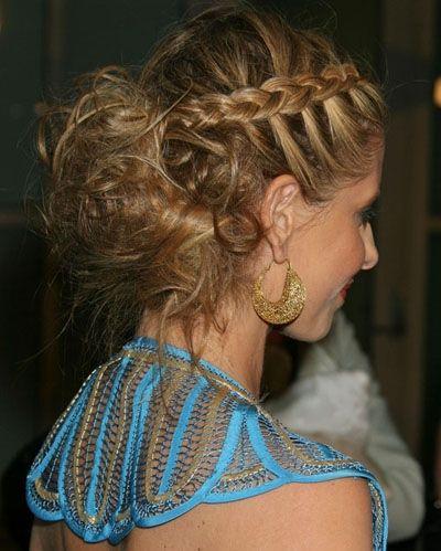 Peinados recogidos con trenzas cosidas