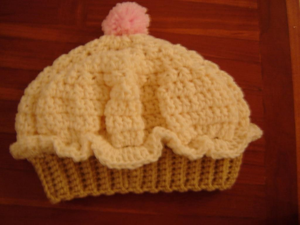 Cup cake hat crochet pinterest cup cakes crochet and knit cup cake hat bankloansurffo Images