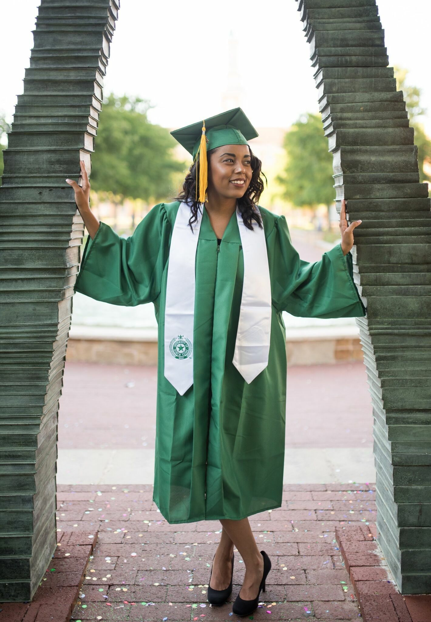Unt Grad Pic Ideas Book Arch Unt Graduation Picture Ideas