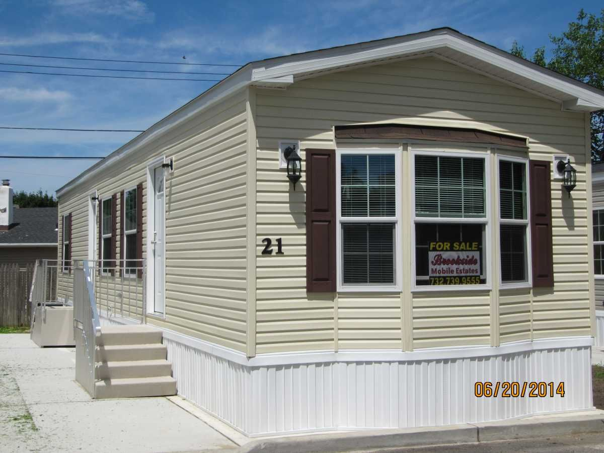 Like The Bay Window On This Home Mobile Home Exteriors Mobile
