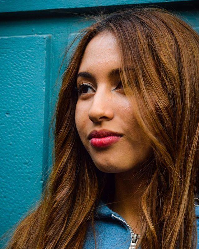 Reposting @marce.lefort: Another week of portraits  Model: @vtanzaa  Location: Paris/Londres, Chile. . . . . . . . #portraitphotography #portrait #portraitmode #portraitshoot #model #blue #girl #girlpower #girlshoot #fashion #weekendvibes #photography #shooting #photoblog #portraits_universe