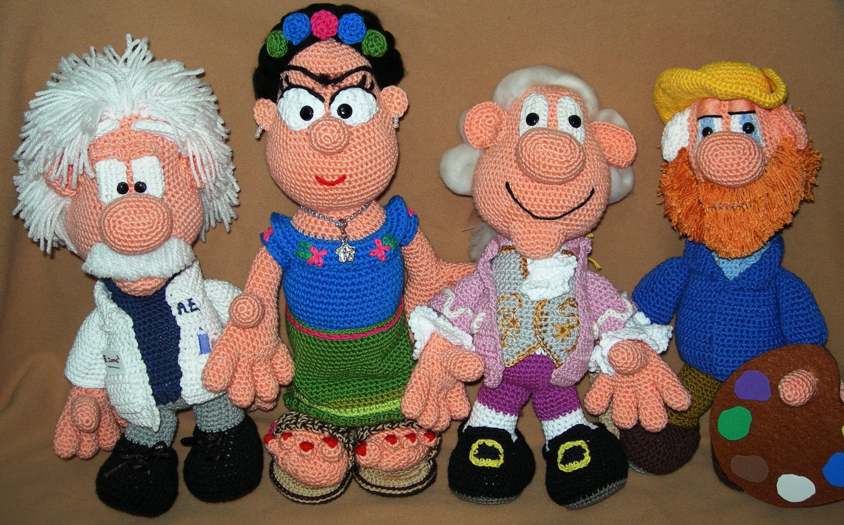 Amigurumi Bunny Pencil Holder : Frida einstein mozart y van gogh amigurumi a crochet people