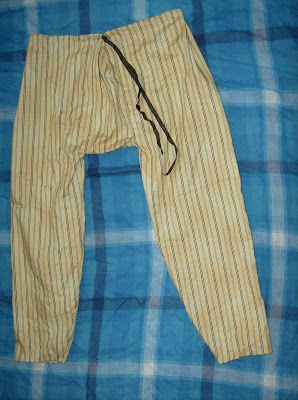 La Belle Robe Médiévale...: Is It period Garb??- Child's striped pants