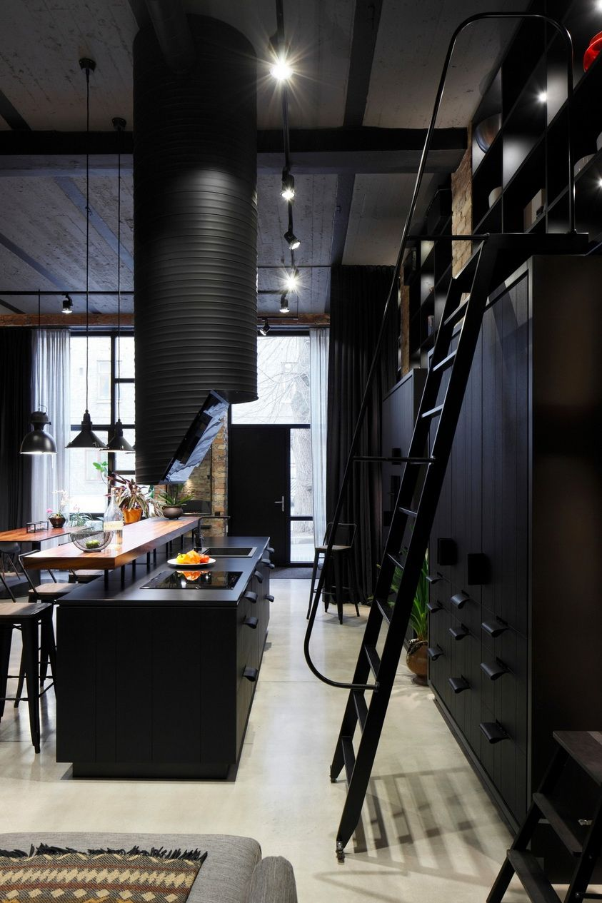 Casinha colorida: Estilo loft no pretinho básico | Find A ...