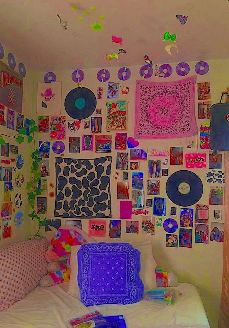 roy on Twitter   Indie room decor, Indie room, Indie bedroom