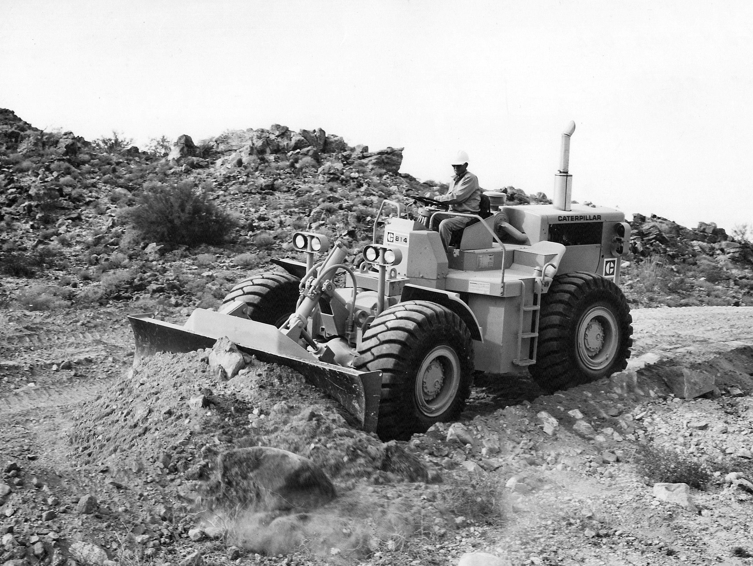 caterpillar-model-814-wheel-dozer-pit-quarry.jpg (2632×1979)