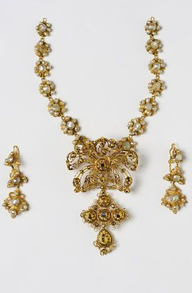 Parure - Gold, diamonds and pearls set - post-1700