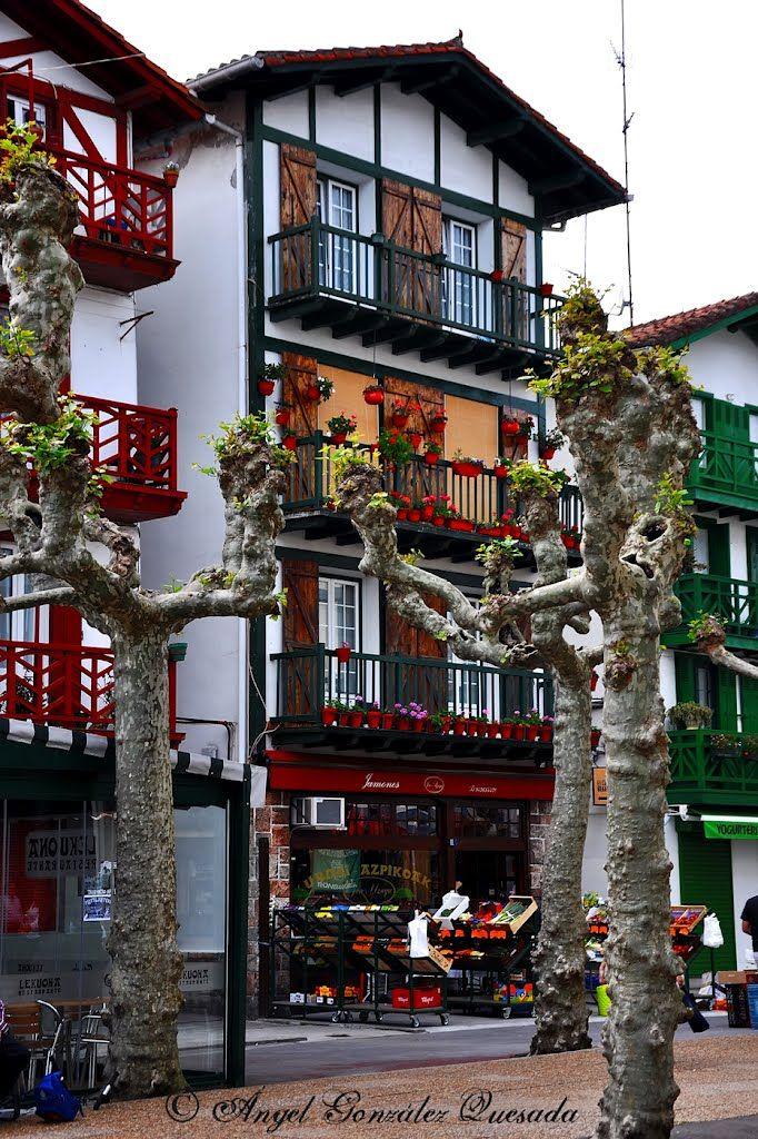 Paseando por hondarribia guip zcoa spain spain mi espa a i pinterest espa a pa s vasco y - Casas rurales pais vasco frances ...