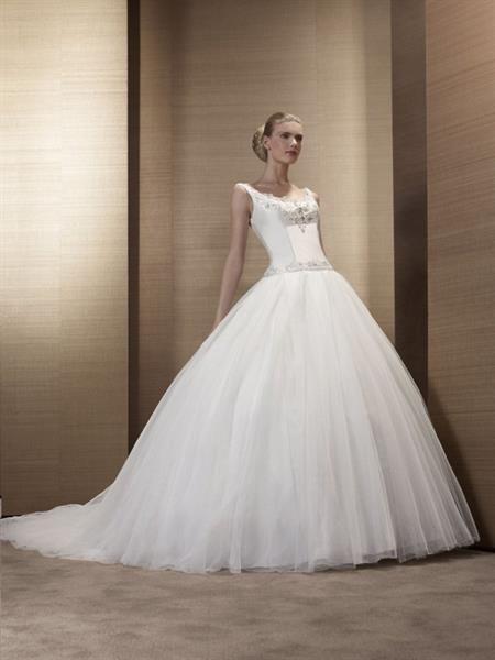 7b2979b50c4 Взять напрокат свадебное платье дешево