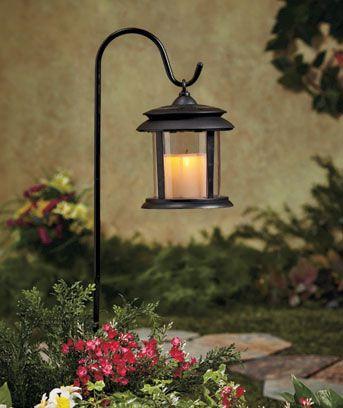 Flickering solar lantern stake