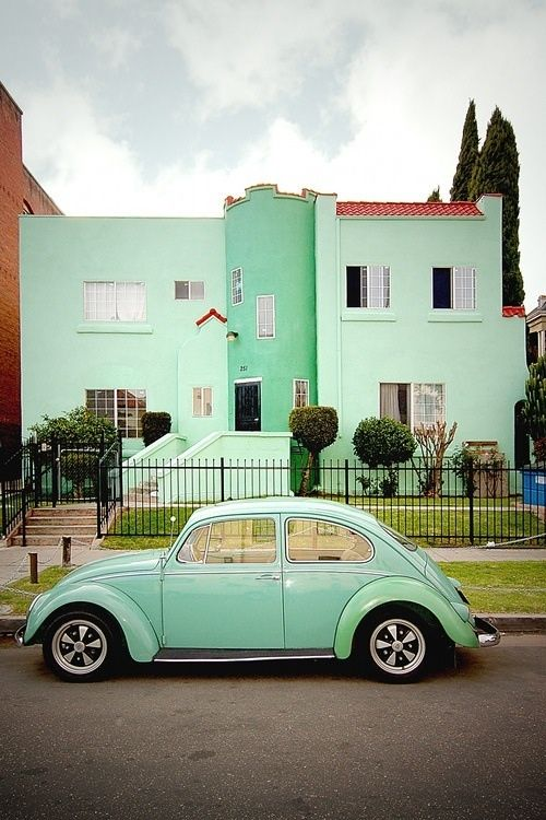 1972- This is when I came to America from Argentina. My second car was a VW like this one, vanilla color... Great memories!