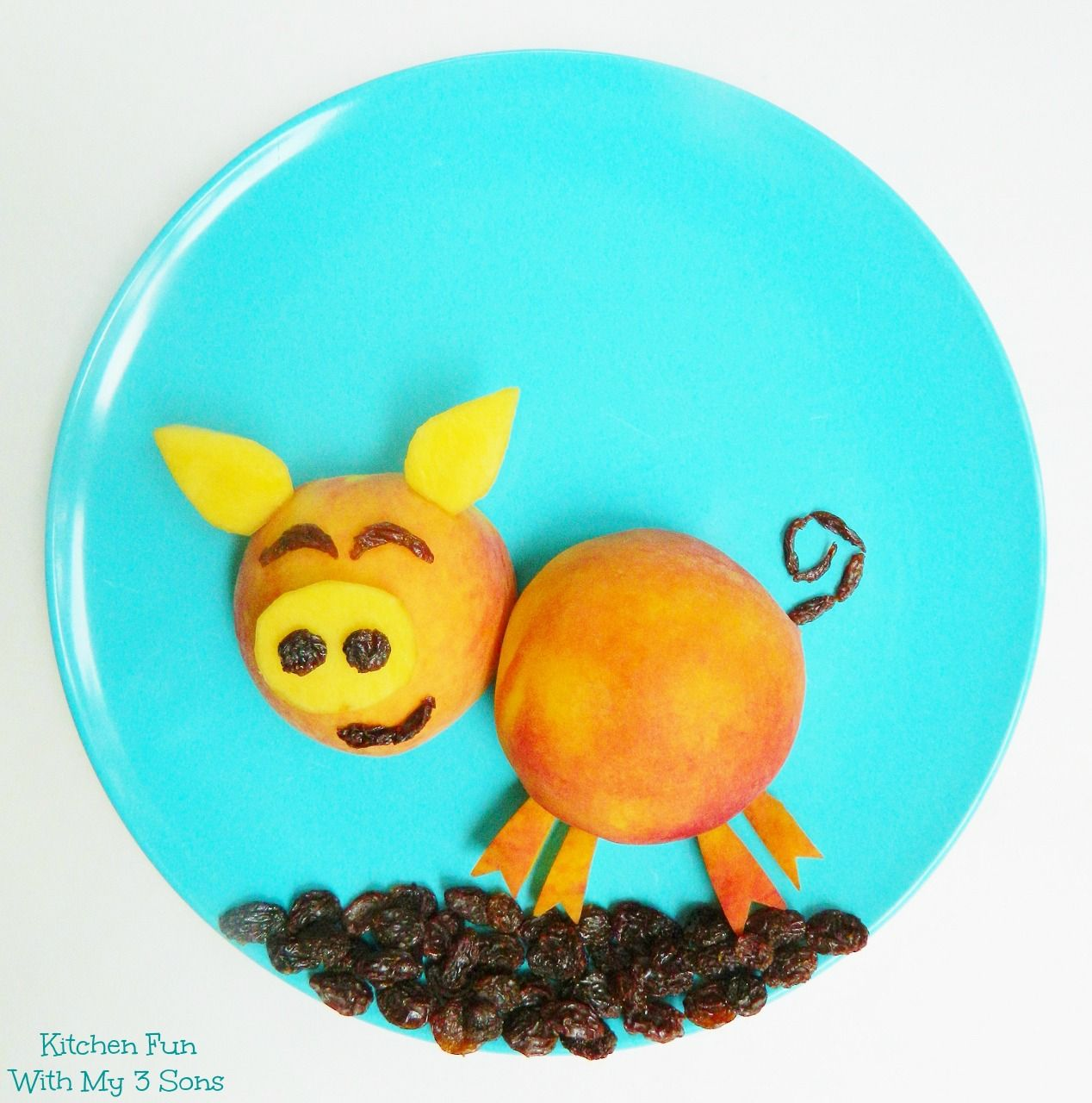 Peachy Piggy...a fun way to get the kids to eat a healthy snack from KitchenFunWithMy3Sons.com