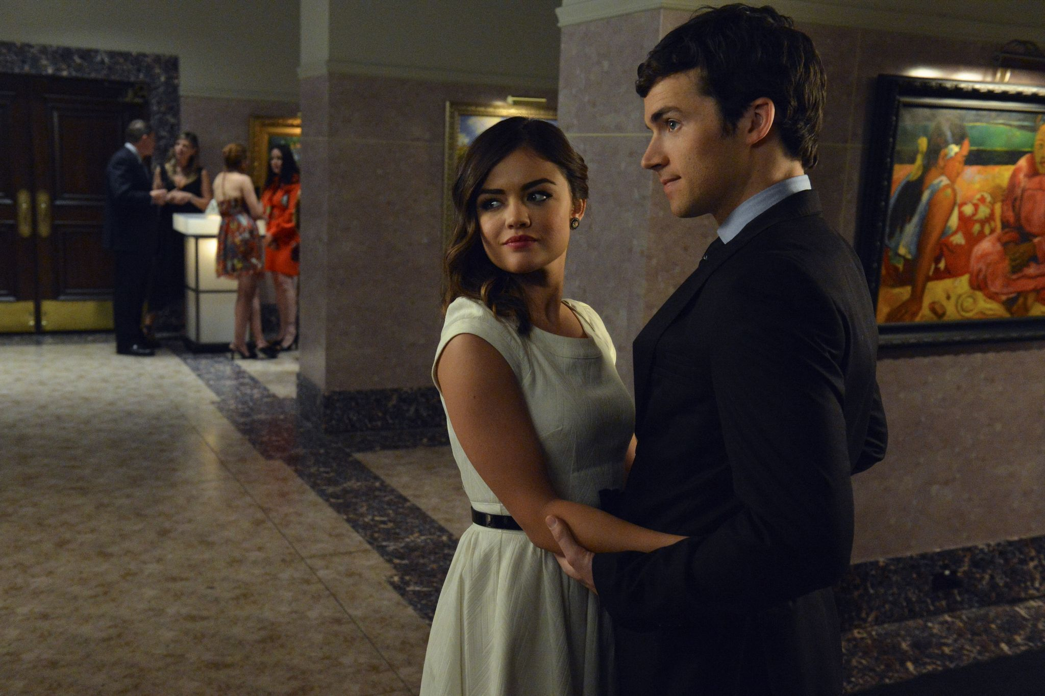 Aria Montgomery and Ezra Fitz Pretty Little Liars Season 3 Episode 8 Stolen Kisses